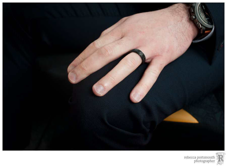 Giovanni's black wedding ring